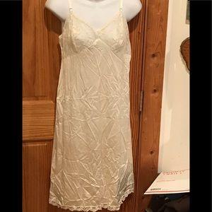 2b3c837204574d 36 14 vintage lace nude full slip vintage jcpenny